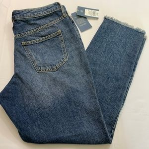 Universal Threads Size 8 Medium Wash Straight Leg